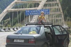 Багажник на крышу в Грузии... :-)