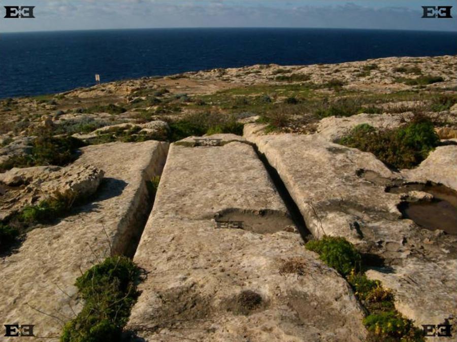 cart-ruts-plateau.jpg