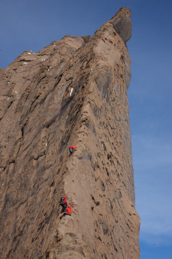 spectacular-climbing-on-the-wind-carved.jpg