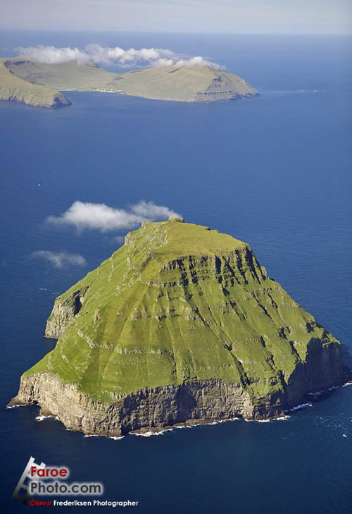 faroe-islands-litla-dimun-the-only-uninhabited-island-of-the-faroe-.jpg