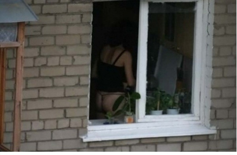 erotika-podsmotrennoe-v-oknah-domov