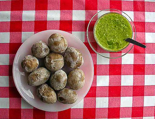 Отварной картофель в мундире по-канарски (papas arrugadas)