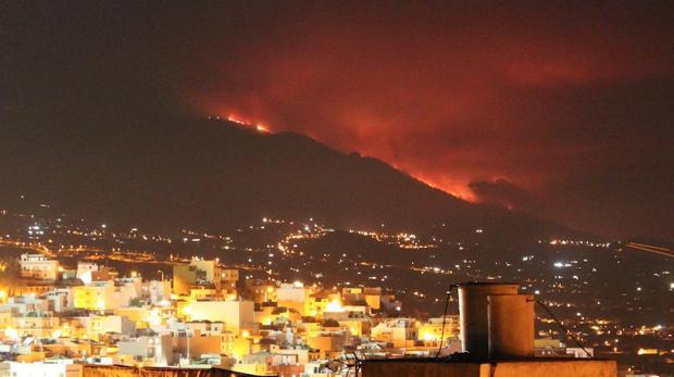 lapalma-incendio-cumbrevieja-U10108049103kxG--620x349@abc.jpg