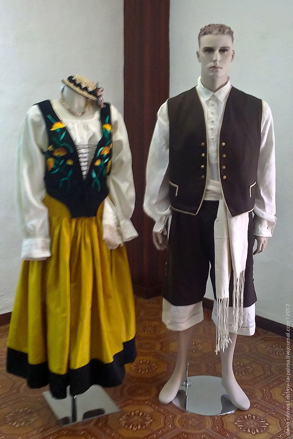 http://ic.pics.livejournal.com/velo_de_isis/12830631/474011/original.jpg