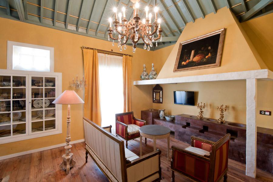 Deluxe 4-2 Hotel Hacienda de Abajo