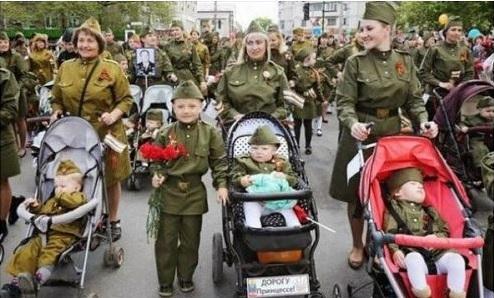 Настоящие дочери офицеров из Крыма