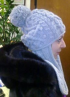 Связать элегантную шапочку для мамы