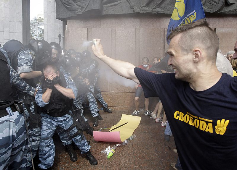 Ukraine_neo-Nazis_0020
