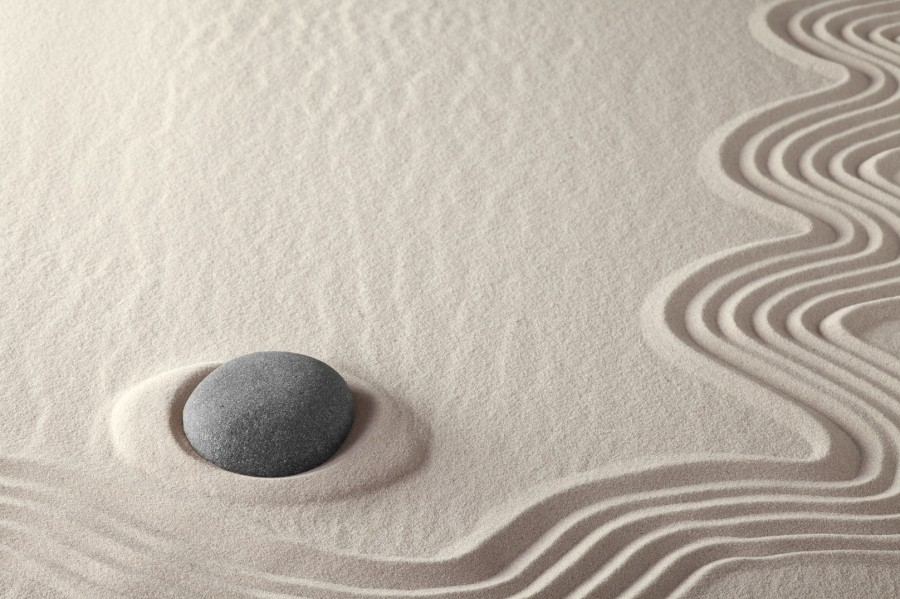 japanese-sand-carving-relaxing-calming