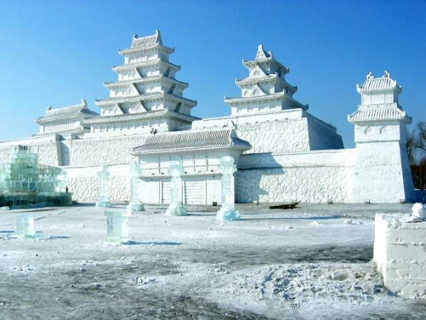 5bigstockSnowPalace4205587jpg.img_assist_custom-600x450