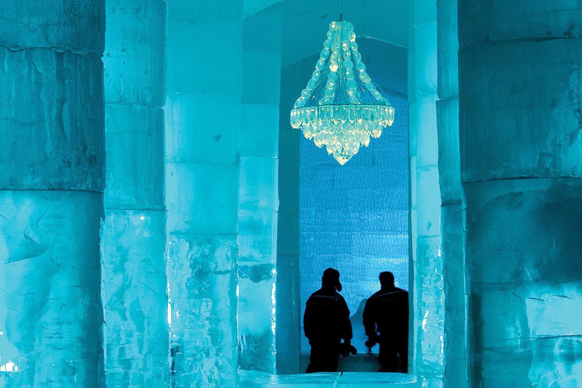 30sweden-icehotel-chandelier-jpg-2092326501