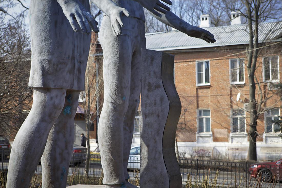 Памятник Клятва 2