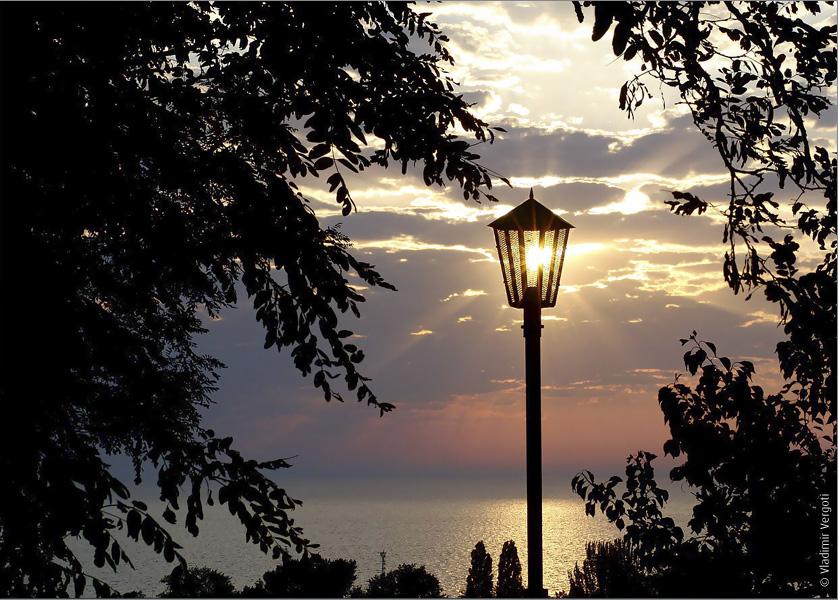 Утро фонарь