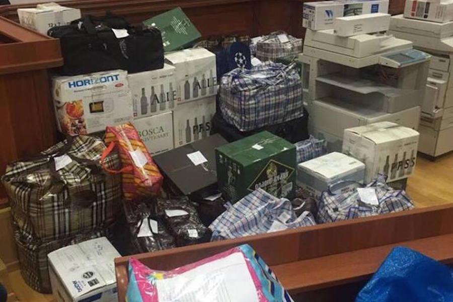 9 миллирдов полковник Захарченко не украл,а получил в подарок