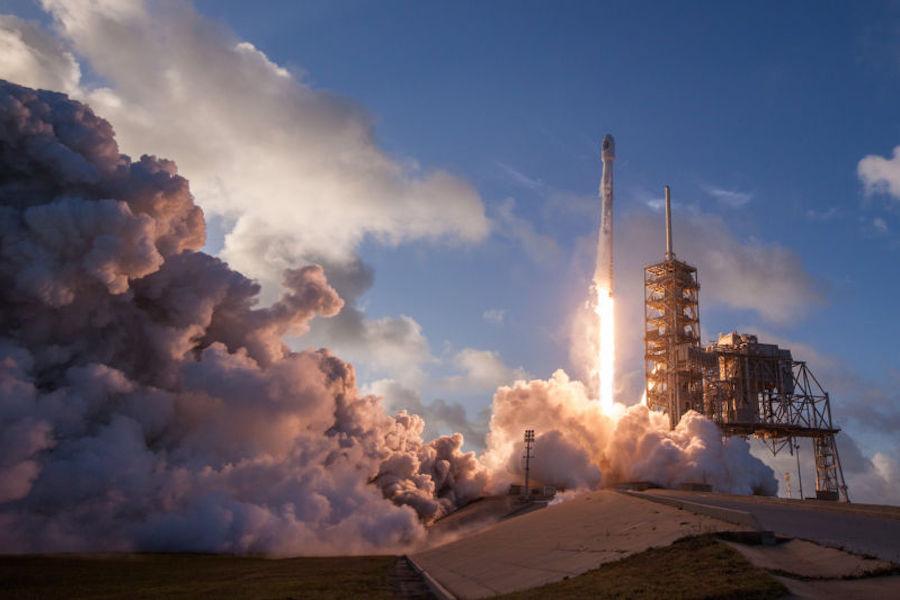 Пока путинская шестёрка Рогозин надеялся на батуты,американские военные внезапно заметили SpaceX