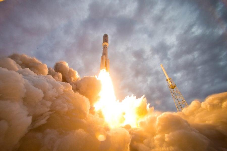 SpaceX принялась хоронить «Роскосмос»: Космос: Наука и ...