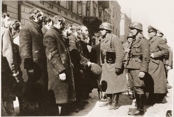 Офицер и евреи