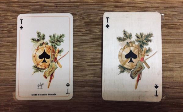 Слева настоящая карта , а справа из дерева