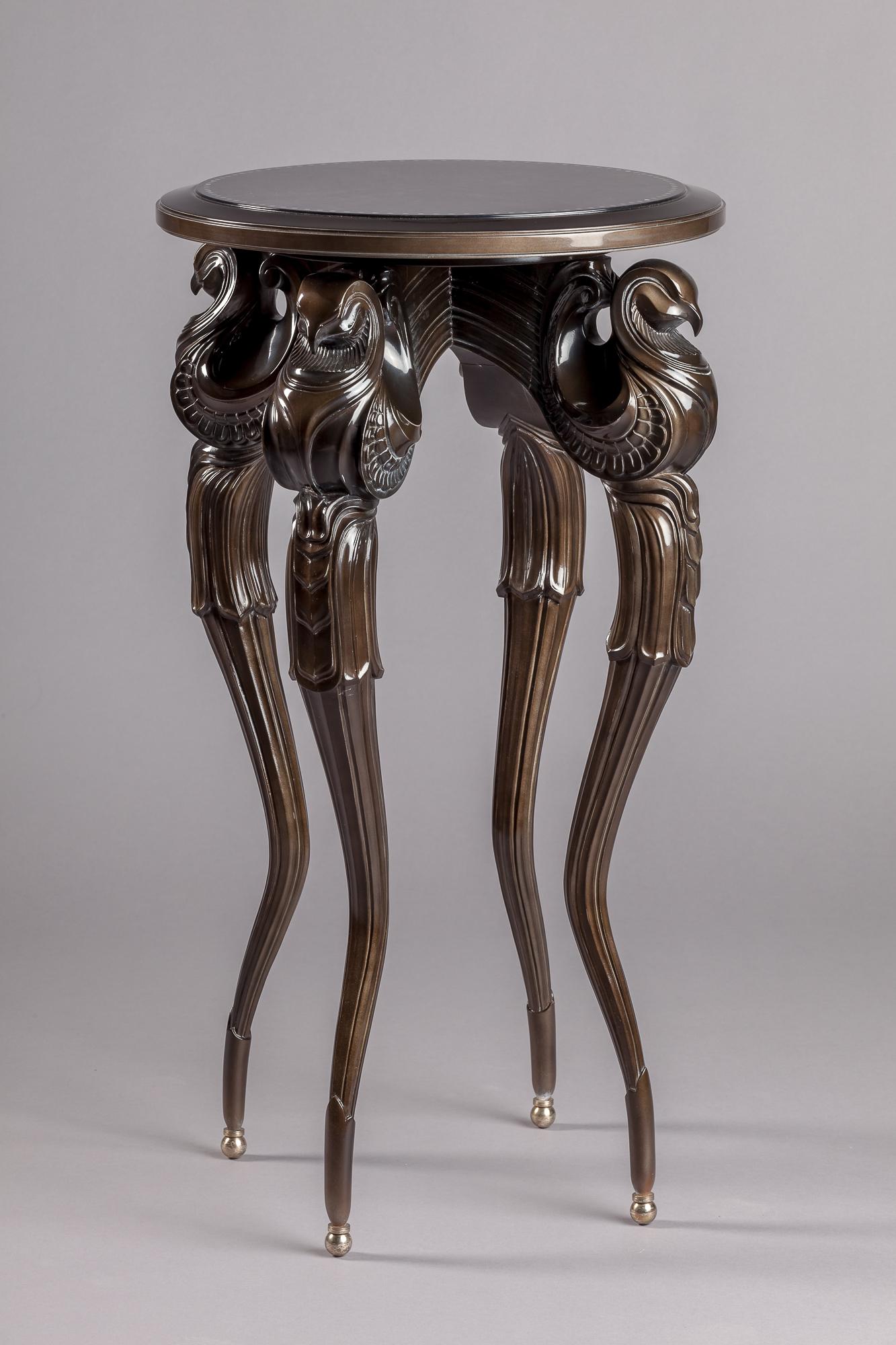 Стол спроектированный нашим дизайнером Волковым Н.С. и выполненный нашими мастерами