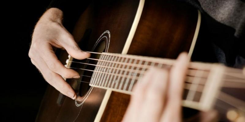 https://dorognoe.ru/news/music/pesni-pod-gitaru-stali-samymi-vostrebovannymi-po-z-10315.html