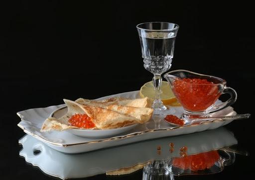 http://russkayakuhnya1.ru/foto/vkusnyie-foto-ne-prosto-stol-s-blinami.html#comment-2860