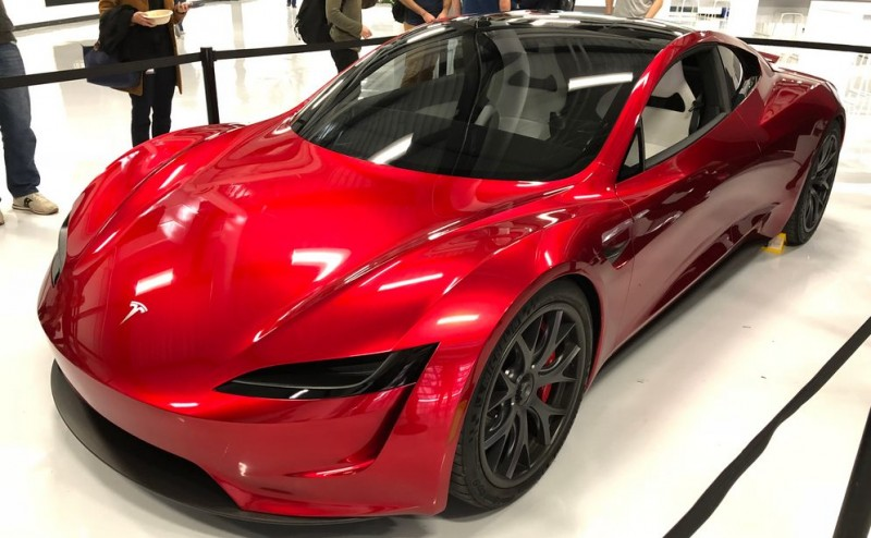https://ecotechnica.com.ua/transport/3170-pervye-video-i-foto-zhivogo-tesla-roadster-2020-popali-v-set.html