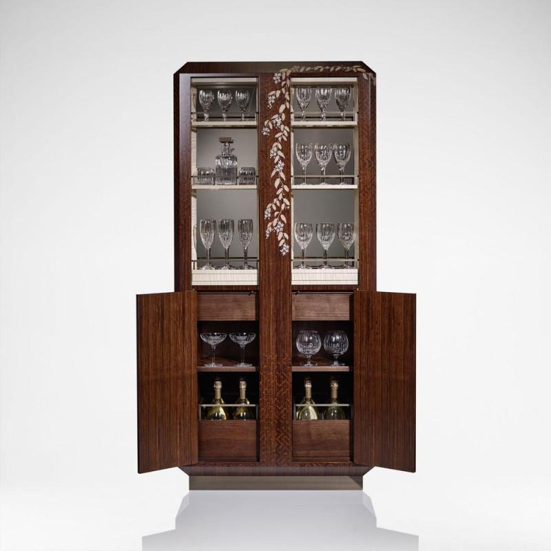 Вам выбирать читать или пить.Вот какую мебель делают наши коллеги в Англии https://www.davidlinley.com/collections/bars-drink-cabinets/products/alba-bar-cabinet