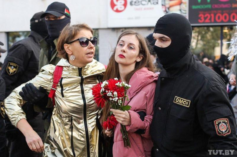 Задержание на женском марше в Минске