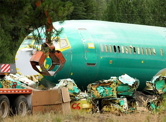 140725_Derailment_Airplane_Cleanup_x_1