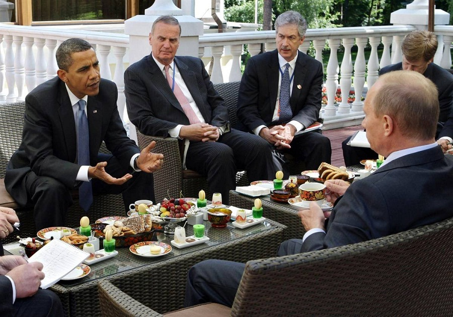 1247166087_obama_in_moscow-1
