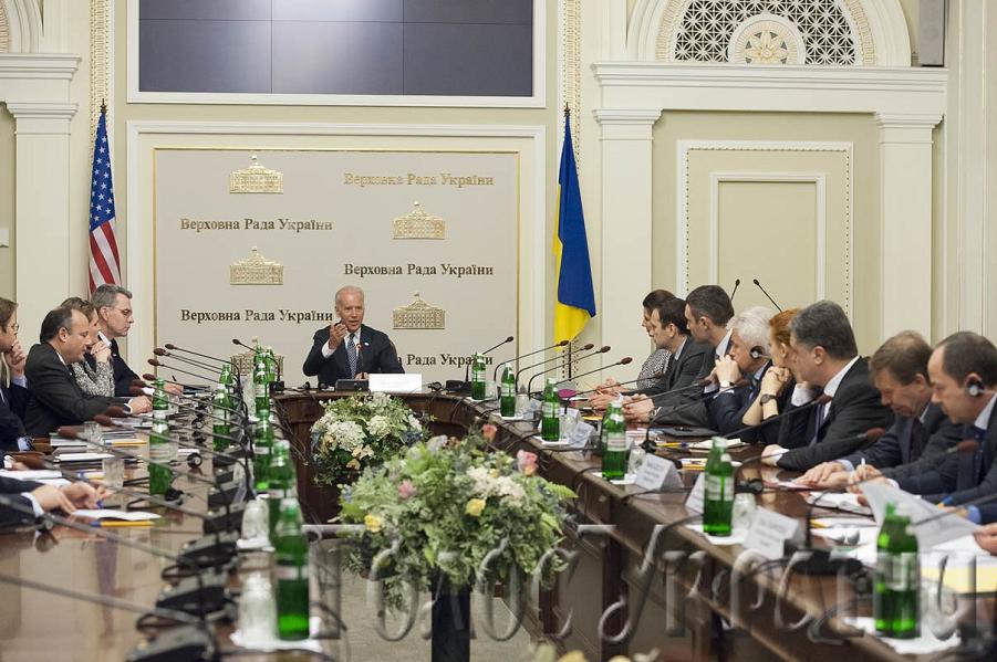 Порошенко обсудил с Байденом отправку миротворцев в Украину и военно-техническую помощь - Цензор.НЕТ 5095