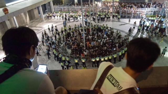 140927165307-hong-kong-protests-4-horizontal-gallery