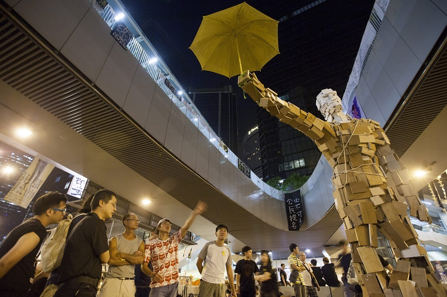 umbrella_man_141008_aa