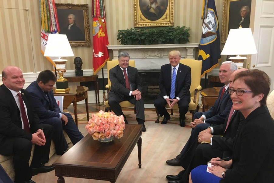 Трамп встретился с Порошенко 20.06.17.png