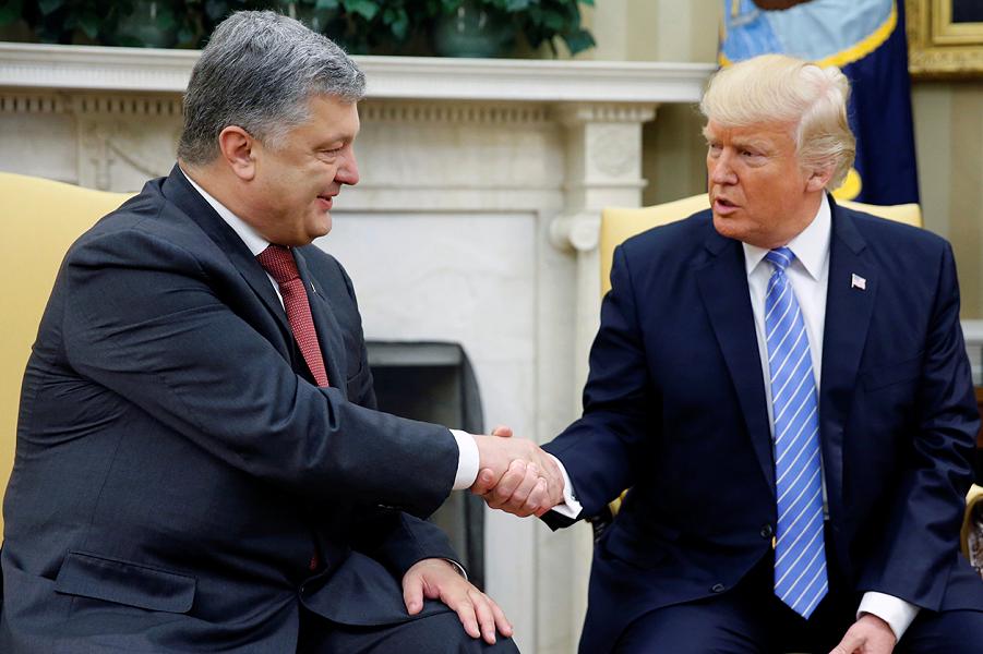 Трамп встретился с Порошенко в Белом доме, 20.06.17.png