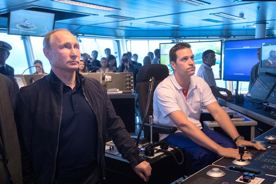 Путин дал старт стыковке мелководной и глубоководной частей Турецкого потока 23.06.17.png