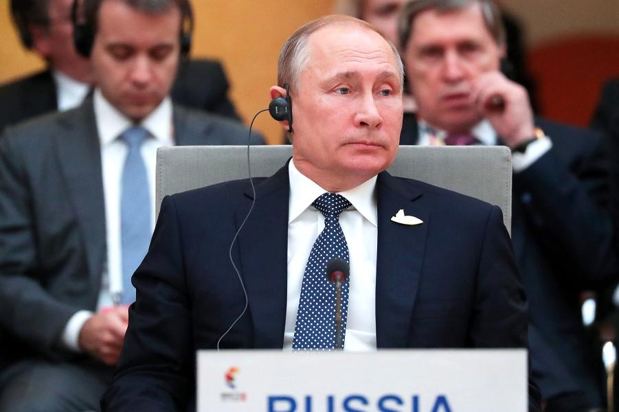 Путин на встрече лидеров БРИКС 7.07.17.png