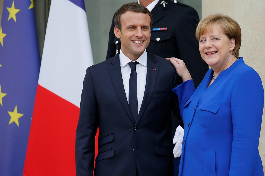 Меркель и Макрон.png