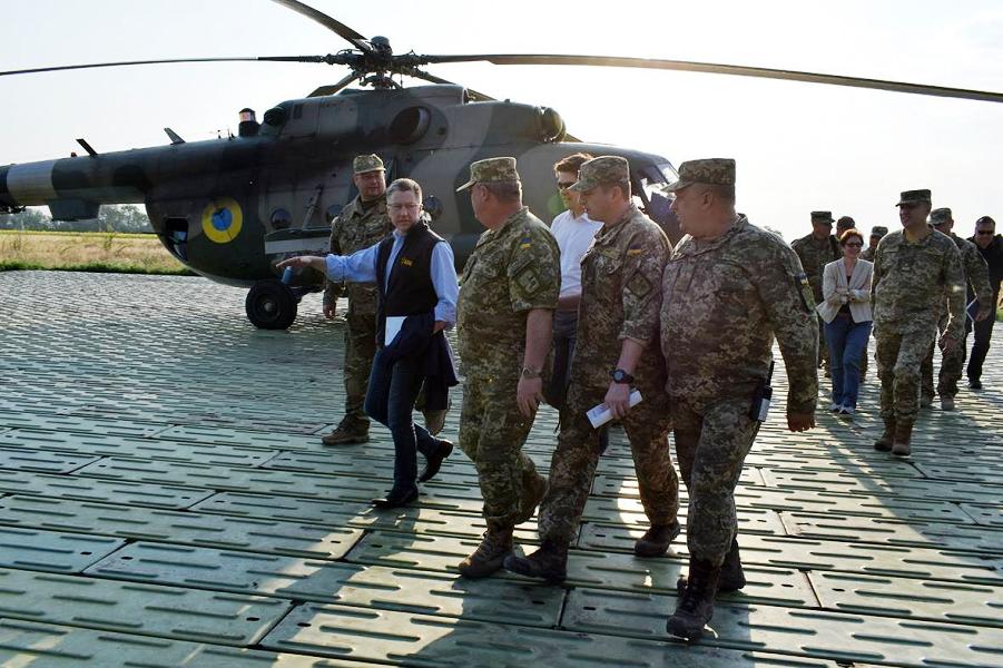 спецпредставитель Волкер в Украине.png