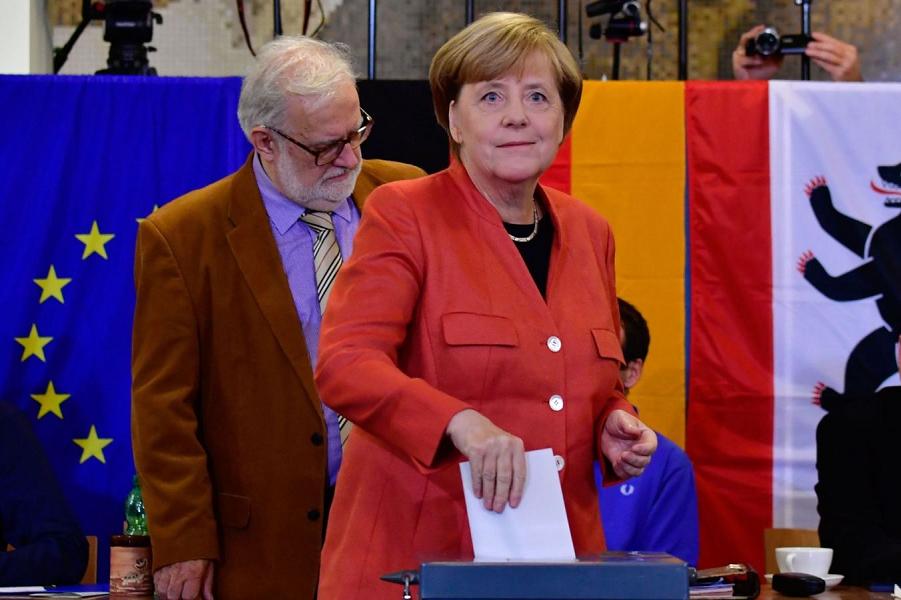 Меркель выбирает Меркель.png