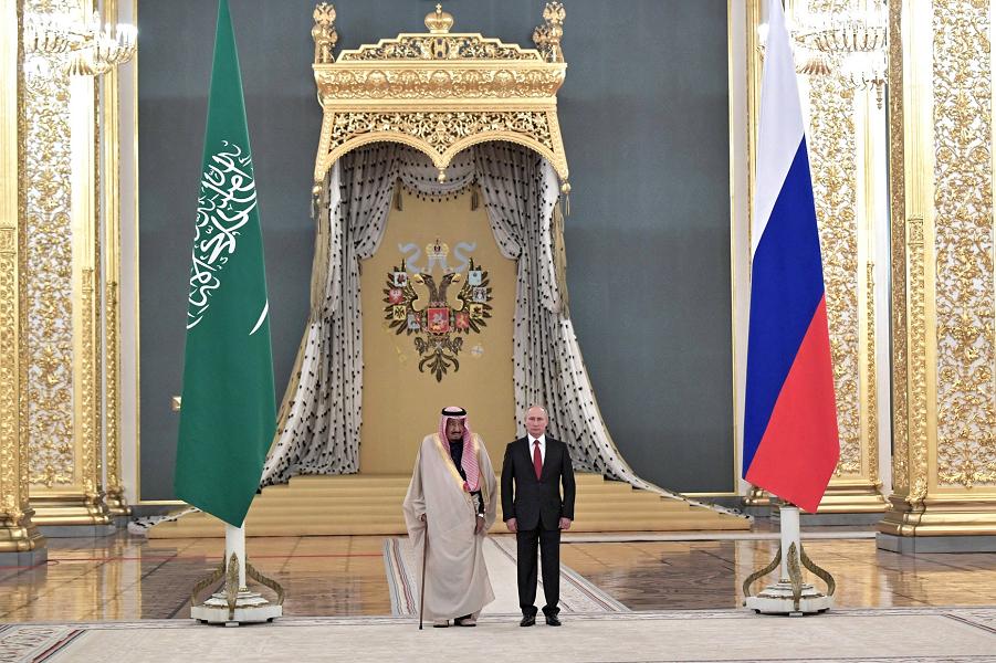 Путин принимает короля СА Сальмана Бен Абдель Азиза Аль Сауда, 5.10.17.png