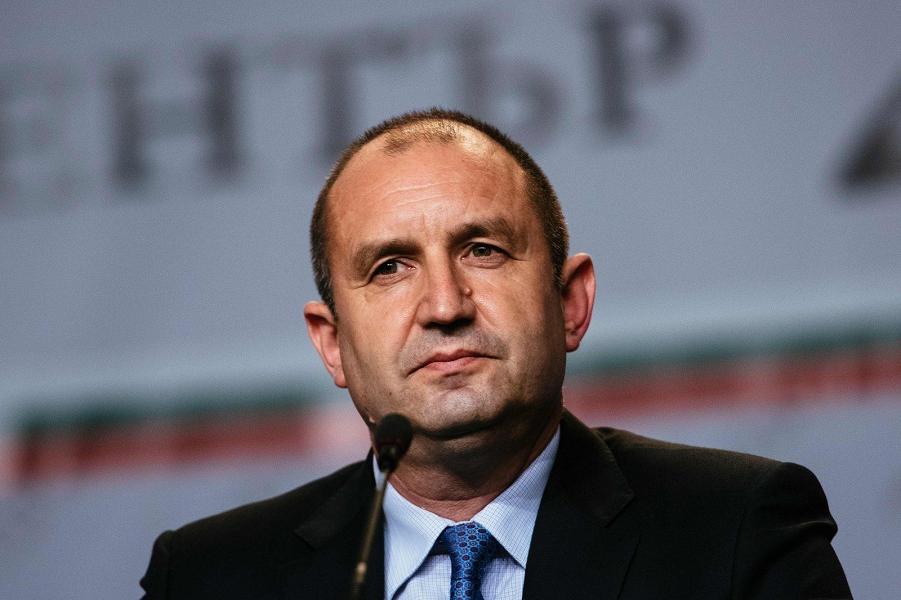 Президент Болгарии Румен Радев.png