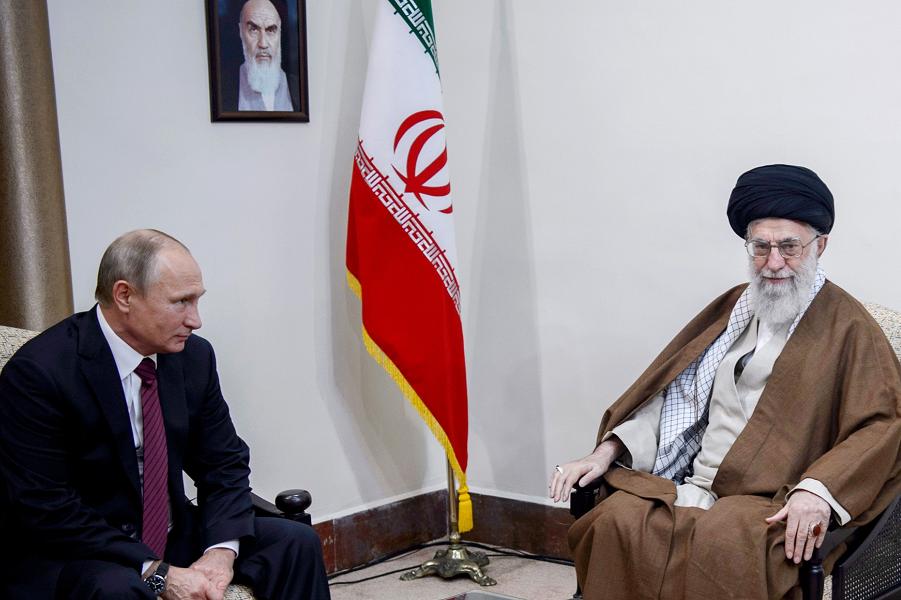Встреча президента Путина с верховным лидером аятоллой Хаменеи в Тегеране, 1.11.17.png