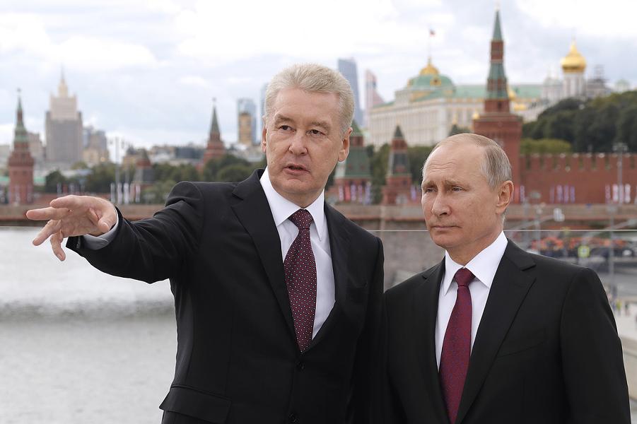 Мэр Собянин и президент Путин.png