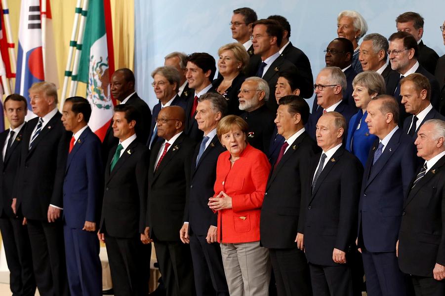 Трамп, Си и Путин на G-20в Гамбурге, 2017.png