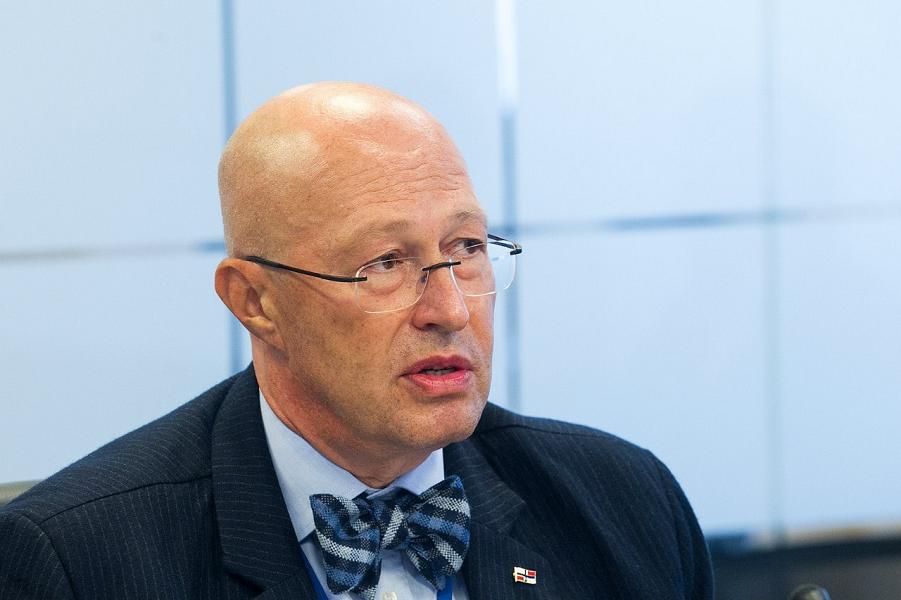 профессор Валерий Соловей.png
