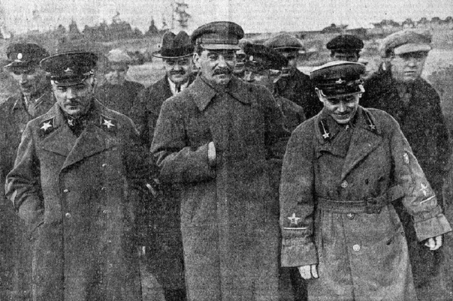 Сталин, Ежов, ВОрошилов, Молотов.png