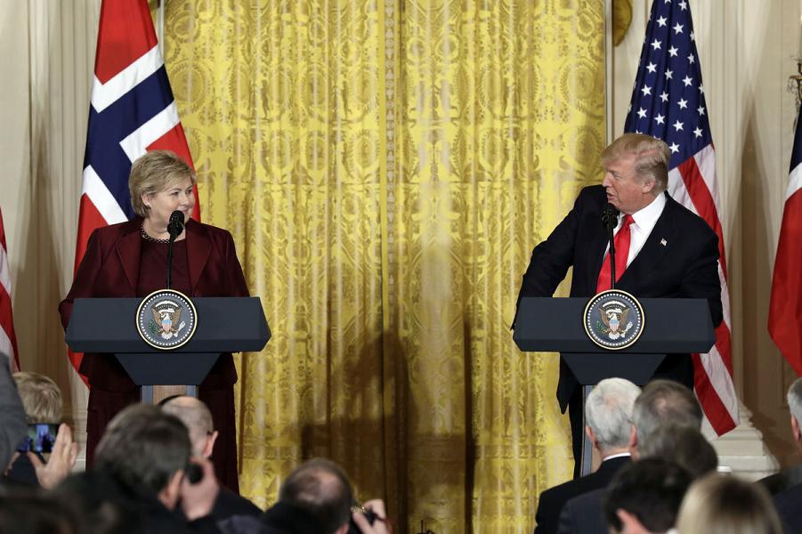 Трамп и премьер Норвегии Эрна Сульберг.png