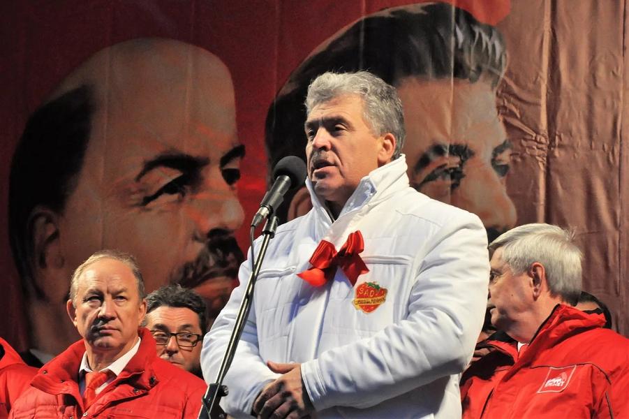 Павел Грудинин, кандидат в президенты от КПРФ.png