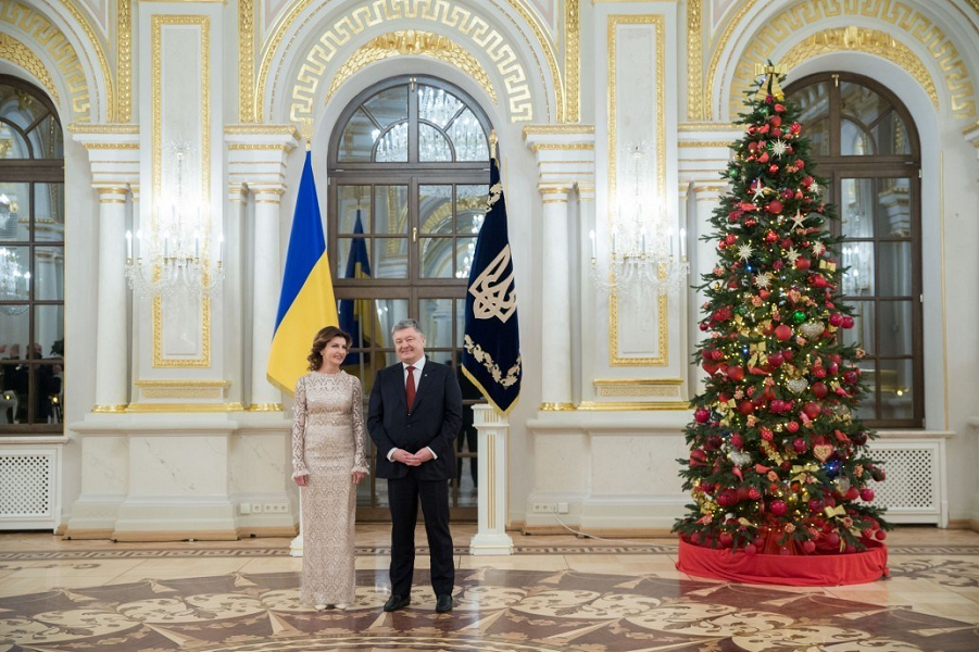 Порошенко принимает дипломатов, 16.01.18.png